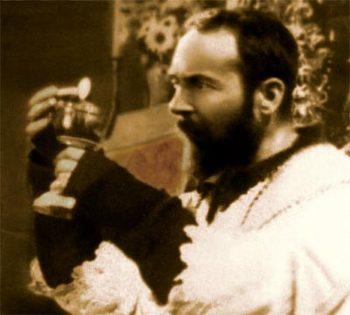 P Pio Communione.jpg