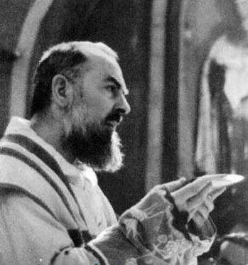 San Pio Offertorio.jpg