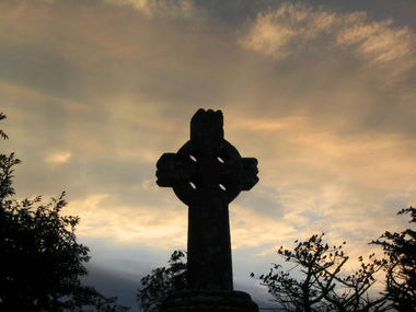 800px-Celtic_cross_Knock_Ireland.jpg