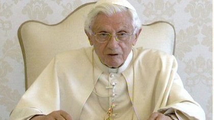 BXVI delivering message.jpg