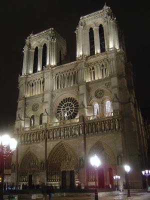 Notre_Dame_Paris_de_nuit.jpg