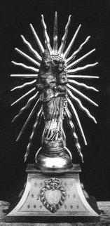 Notre_Dame_du_Chene_Statue_1-1.0.jpg
