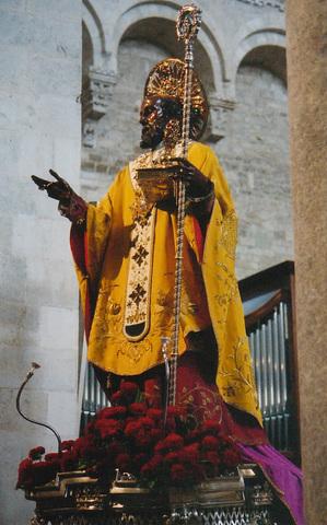 bari-statue-wmaster.jpg
