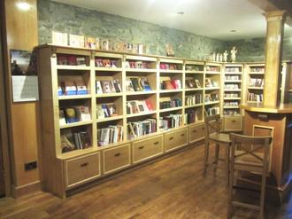 bookstore3-1024x768.jpg